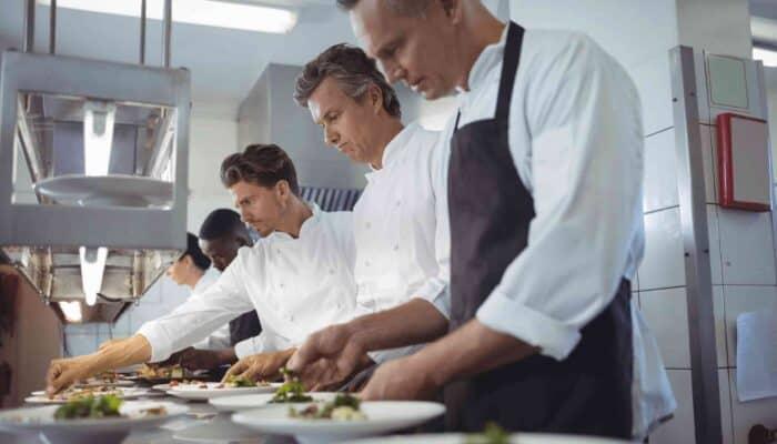 Come diventare aiuto cuoco